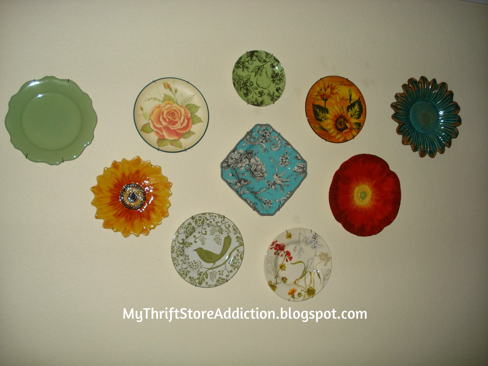 Plate wall collage