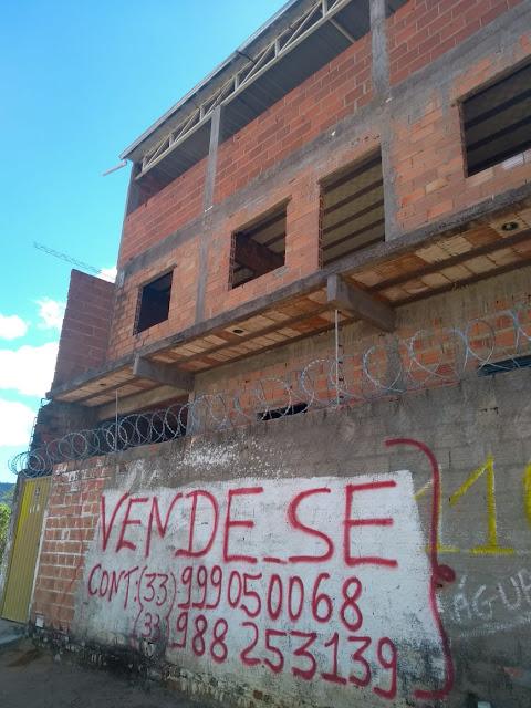 Casa a venda em Itaobim MG