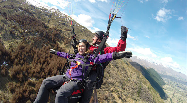 Dia 5 (II): Vol amb parapent per Queenstown