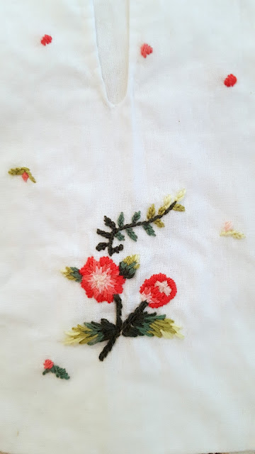 embroidery, hanging pockets, 18th century, rococo, auris lothol