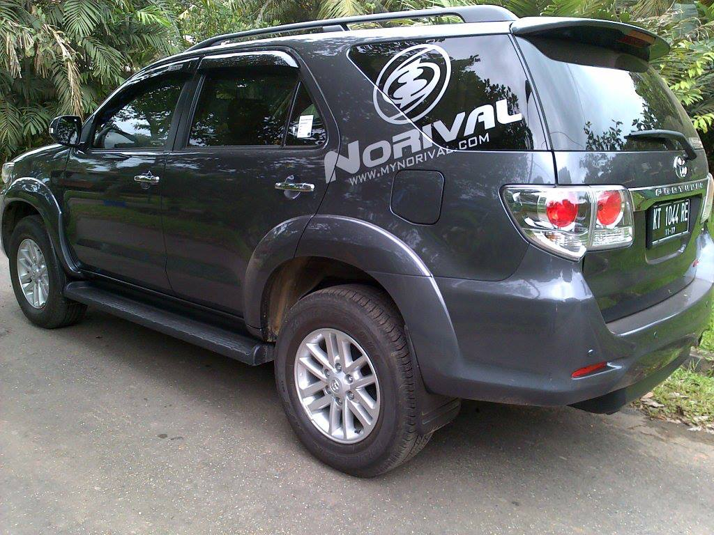 Toyota Fortuner Matic VNT 2012