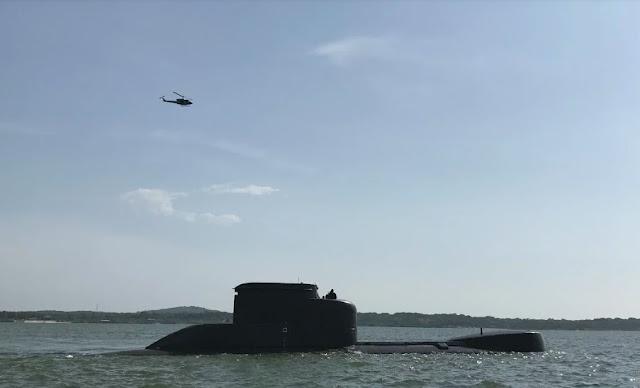 Ejercicio de evacuación aeromédica desde el submarino U206A ARC Intrepido