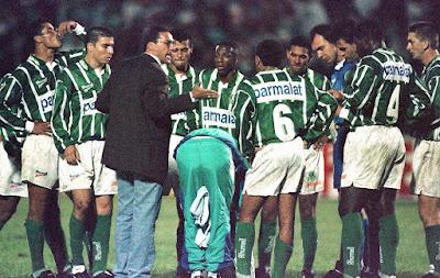 Foto lembra Luxemburgo como técnico do Palmeiras em 1996 — Foto: Arquivo / Agência Estado