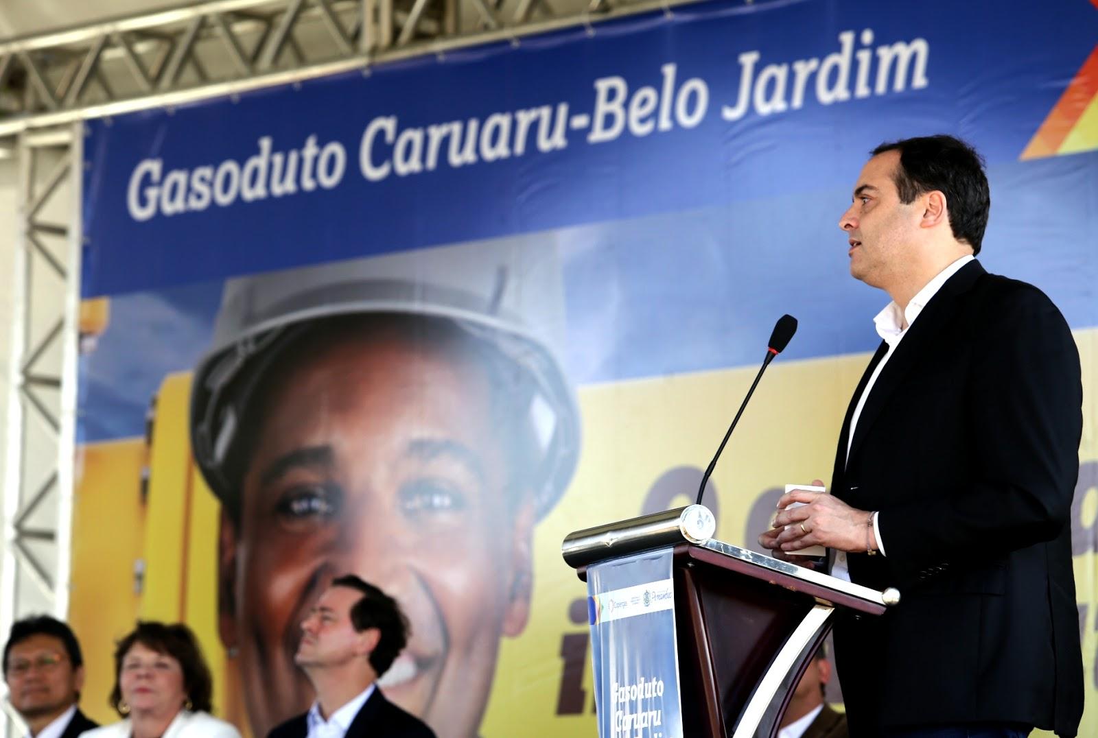 Resultado de imagem para Governador entrega gasoduto Caruaru-Belo Jardim