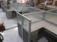 Cubicle Workstation 4 Person - Meja Partisi Kantor Untuk 4 Orang