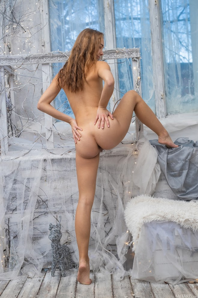 5682910098 [Met-Art] Nessa Babe - End of Winter
