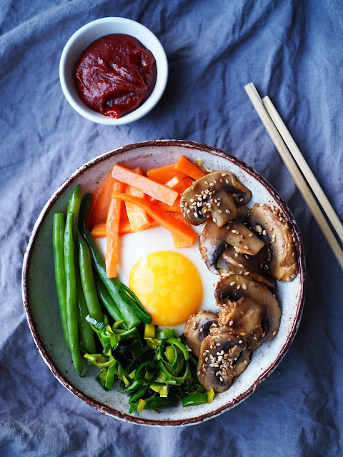 kasvisbibimbap, bibimbap, gluteeniton-gochujang, korealainen-pyttipannu, korealainen-kasvisruoka, aasialainen-pyttipannu