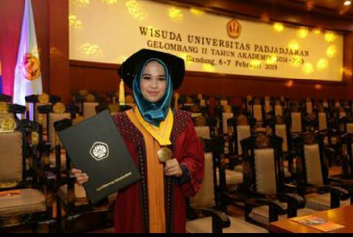Kisah di Balik Muslimah yang Lulus dengan IPK 4,0 Gara-Gara #2019GantiPresiden