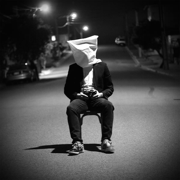 Sad Boy And Girl Wallpaper Full Hd صور معبرة عن العزلة والوحدة صور حزينة