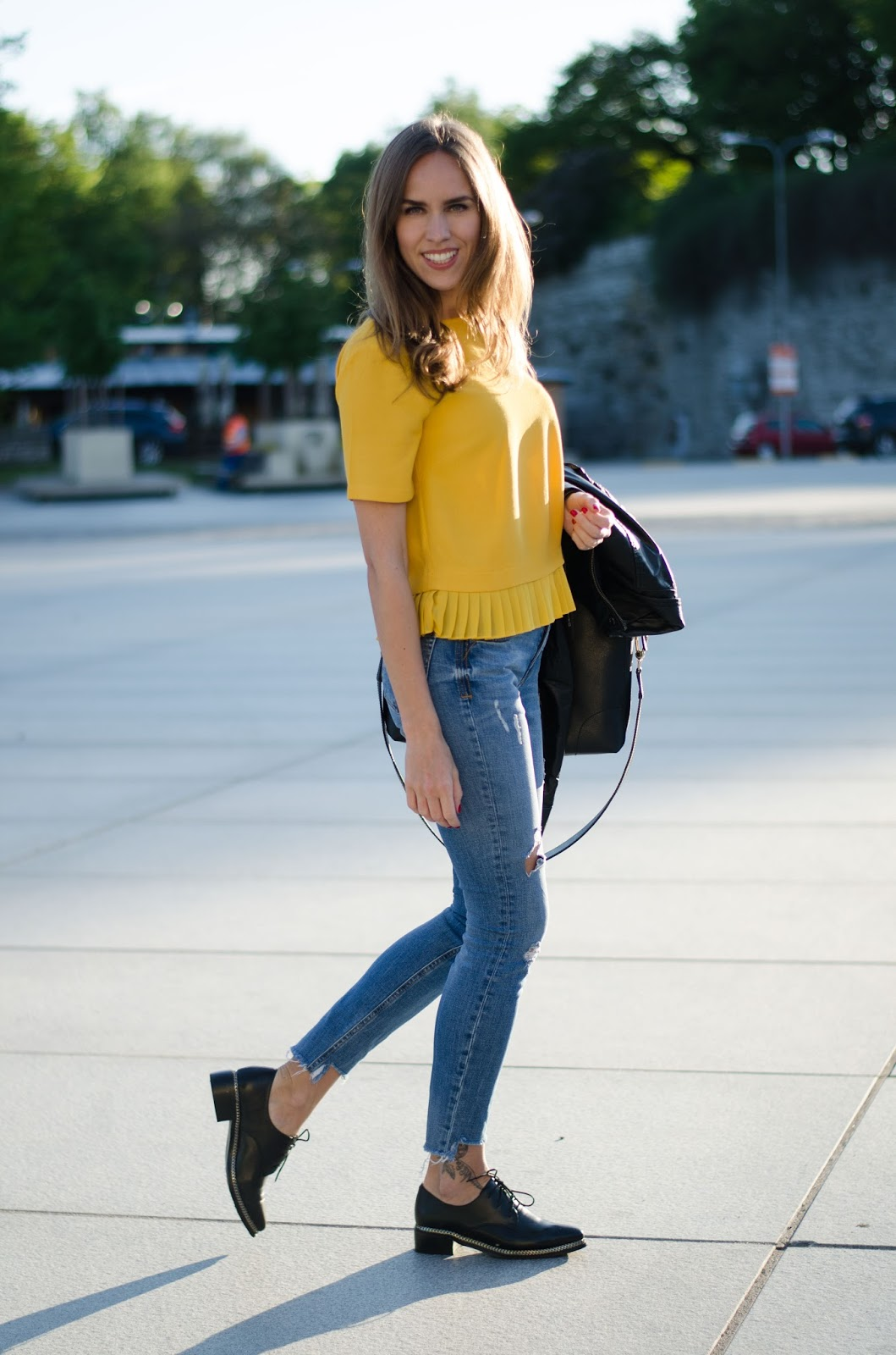 kristjaana mere zara yellow pleated top frayed jeans outfit