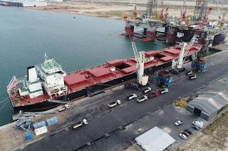 http://vnoticia.com.br/noticia/1952-terminal-multicargas-do-porto-do-acu-recebe-primeiro-navio-do-tipo-panamax