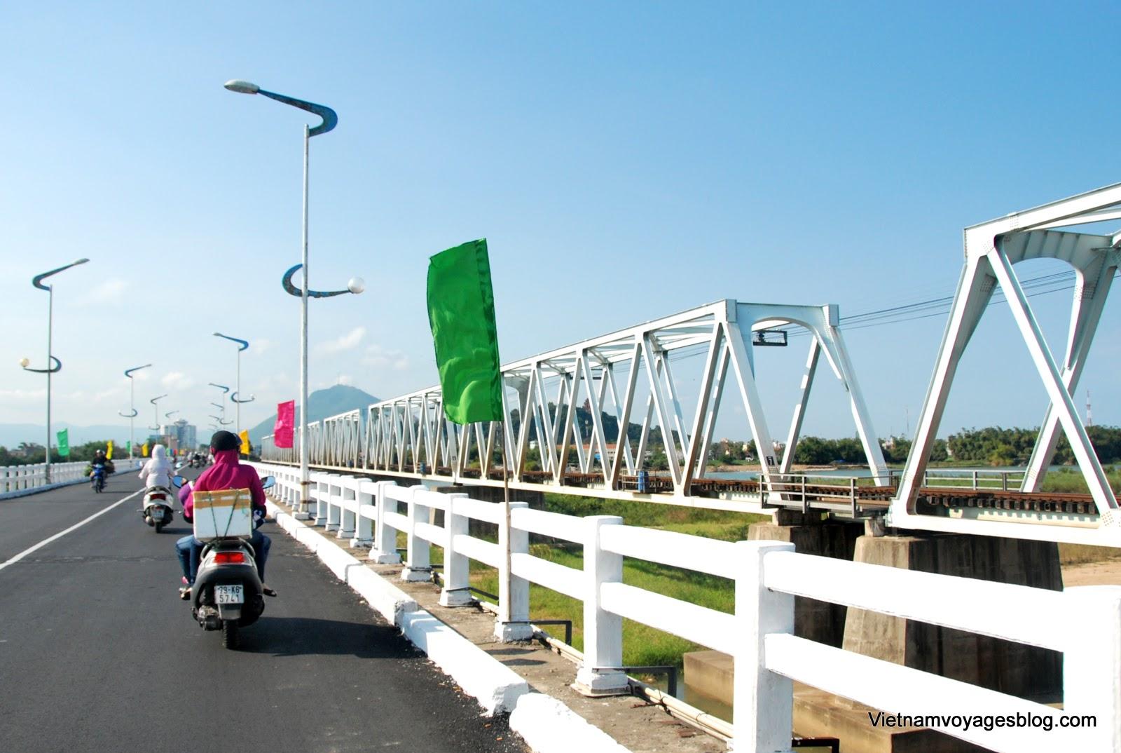Cây cầu Đà Rằng ở Phú Yên