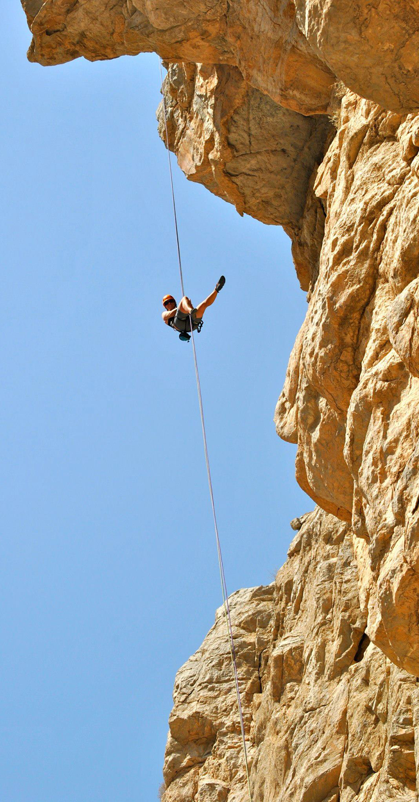 Wayfinder Ali on rappel
