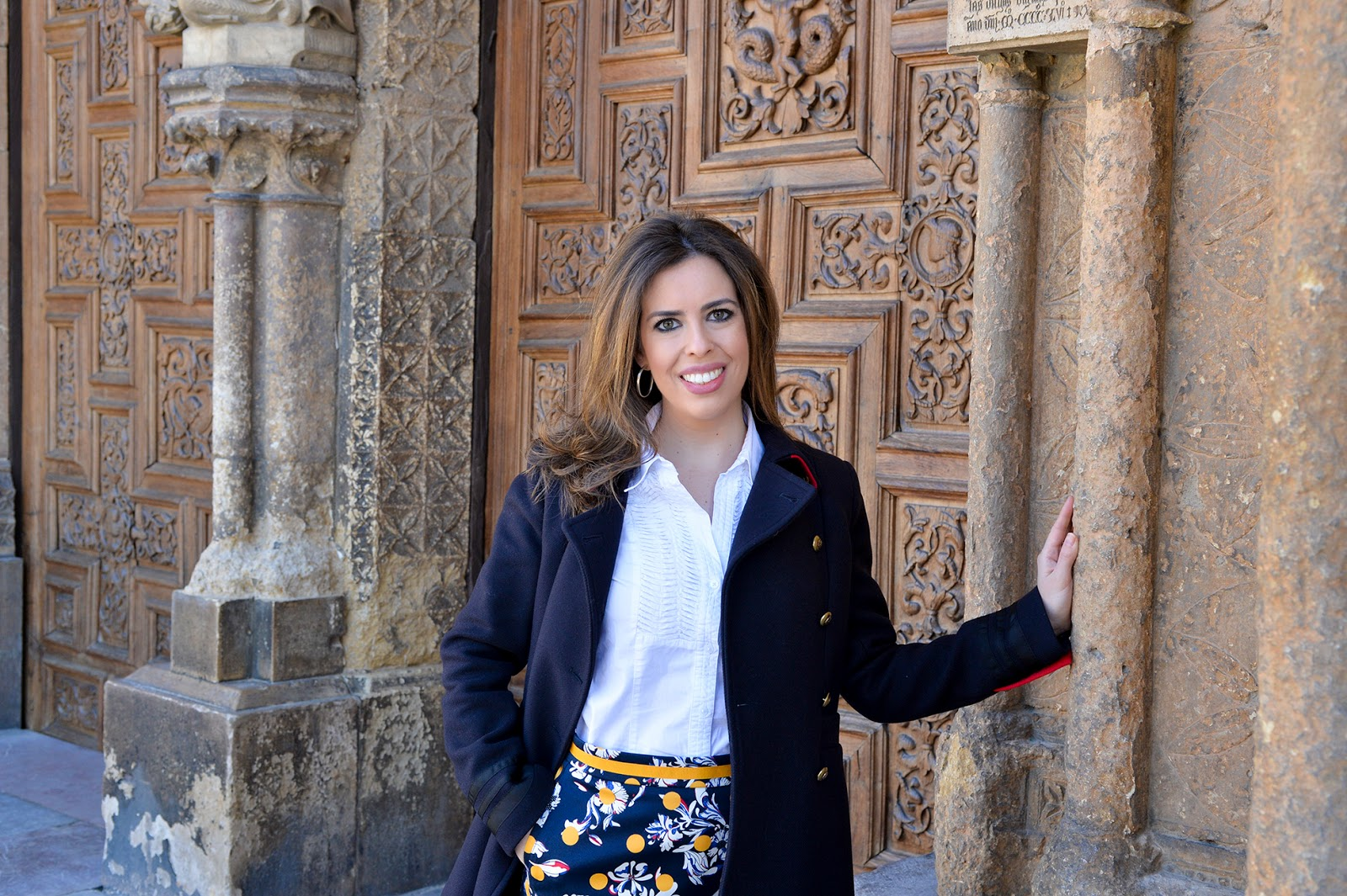 teacher outfit travel tommy hilfiger dot skirt catedral leon españa