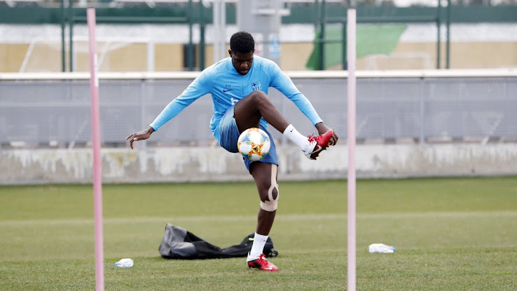 06277ae6a3c 1 of 3. 2 of 3. 3 of 3. 1 of 3. FC Barcelona defender Samuel Umtiti has shown  off the classic Nike CTR360 Maestri II ...