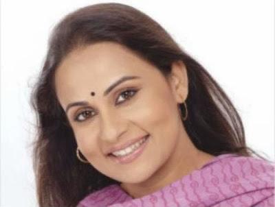 Bangladeshi Actress Afsana Mimi's Photos in saree and salowar