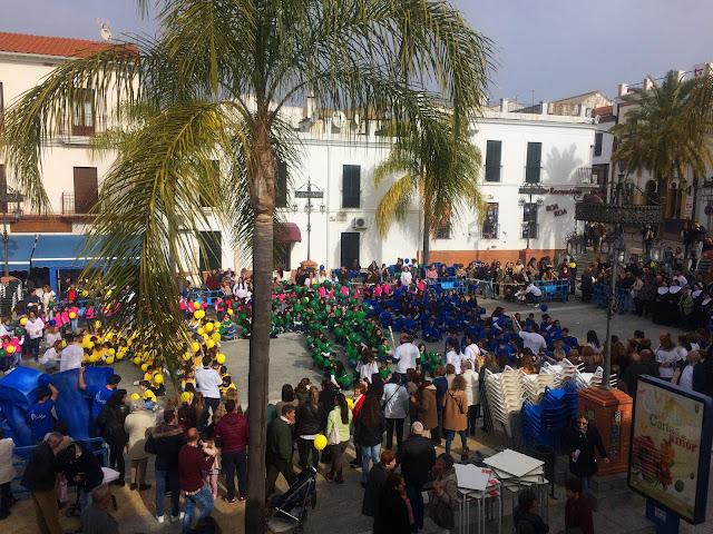 http://www.esvalverde.com/2018/02/desfile-de-don-bosco-en-el-125.html