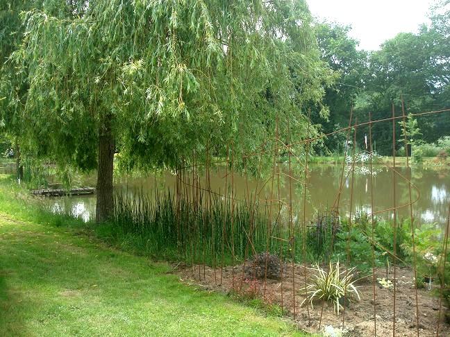 balades en vendee le jardin d 39 hortense 2 le plan d 39 eau. Black Bedroom Furniture Sets. Home Design Ideas