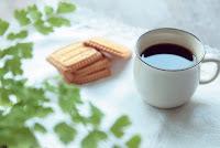 コーヒーとお菓子で休憩