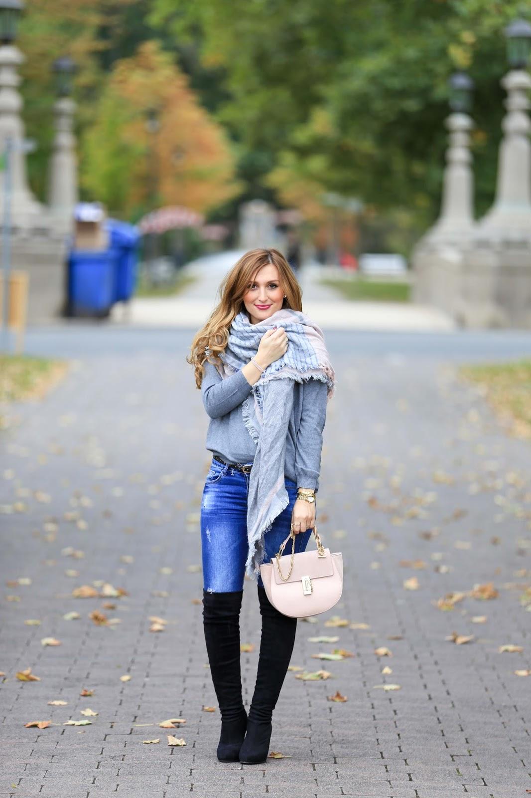 Chloé Tasche-Lookalike Chloé.My Colloseum-Colloseum-grauer Pullover-xxl schal kombinieren-schwarze overknees-blogger aus Deutschland-deutsche Fashionblogger-Fashionstylebyjohanna-blogger aus Franku