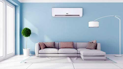 Instalaciones eléctricas residenciales - Sala con evaporador de equipo MiniSplit