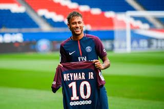 Neymar Dianggap Jadi Gangguan di Barcelona