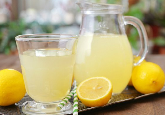 how to treat ulcer with lemon water