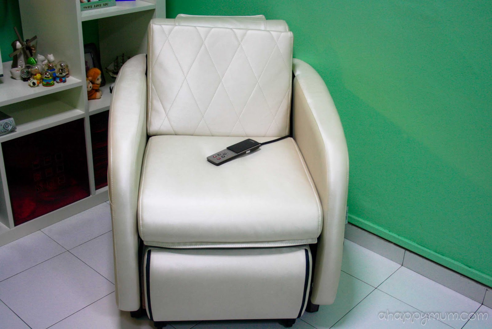 ogawa massage chair kidkraft white table and chairs a happy mum singapore parenting blog