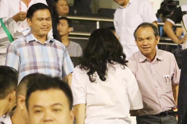 """Bầu Đức và bầu Tú """"đối mặt"""" vì bóng đá Việt"""