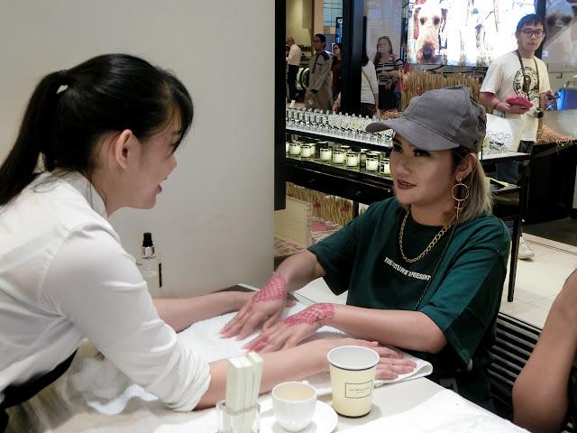 แชร์ประสบการณ์นวดมือ Hand and Arm Massage ที่ Jo Malone London ในวันเกิดและตามหากลิ่นน้ำหอมที่เซ็กซี่ที่สุด
