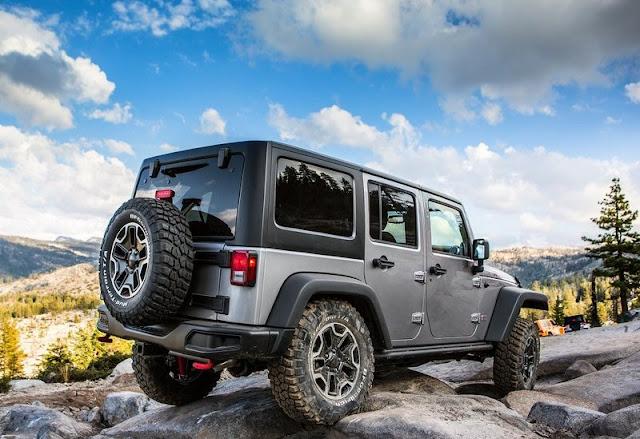 2013 Jeep Wrangler Rubicon 10th Anniversary Edition Rear