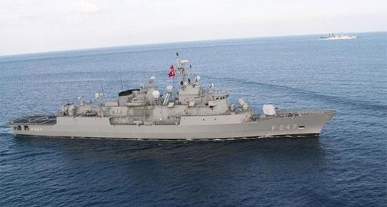 Τουρκικό πολεμικό πλοίο έφτασε στο Κάβο Ντόρο - Δίπλα του η φρεγάτα «Ελλη»