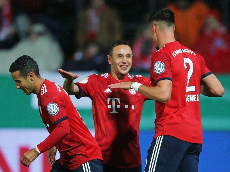 Oito jogos movimentaram a abertura da segunda fase da Copa da Alemanha e  todos os favoritos avançaram contra os clubes mais modestos. ea13080aacb2c