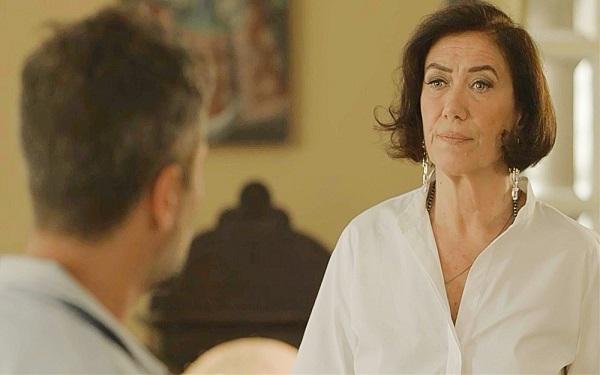Valentina esclarece suas intenções, mas não convence o filho (Imagem: Reprodução/TV Globo)