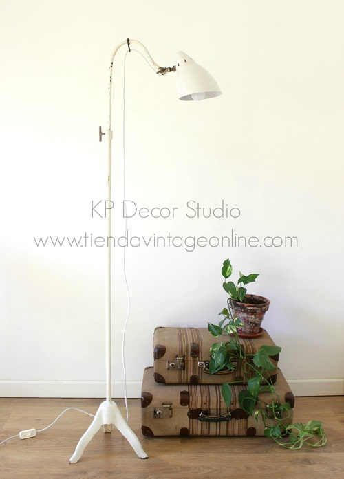 Lámpara de médico antigua de hierro fundido estilo industrial