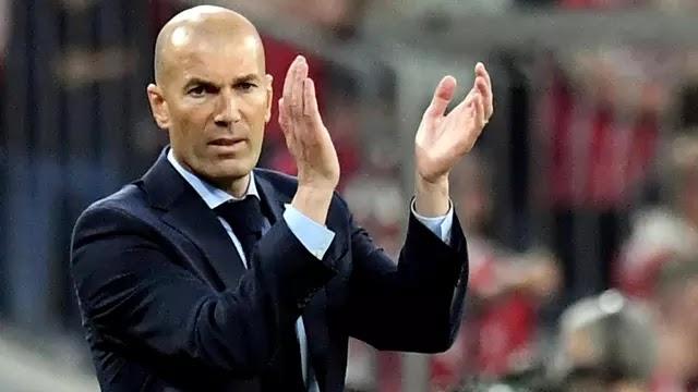 Zinedine Zidane Terlihat Berada di Turin, Bertemu dengan Petinggi Juventus?