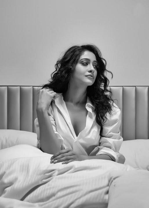 Regina Cassandra Bed Room Photoshoot