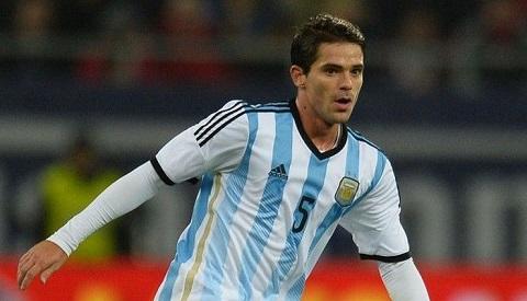 Fernando Gago không hợp với lối chơi của HLV
