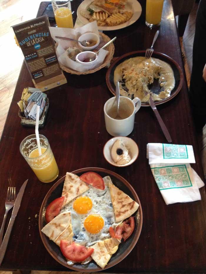 Desayuno-Cafebreía-Péndulo-Condesa