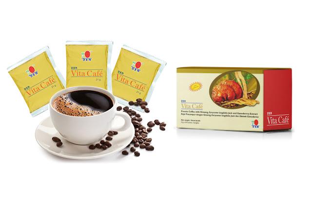 """Vita Café ™ es una mezcla única de Ginseng de alta calidad y Tongkat Ali en polvo con extracto de Ganoderma. DXN Vita Café ™ es convenientemente preparada en  forma de café premezclado para su fácil consumo. Todo lo que necesita hacer es agregar el polvo de Vita Café ™ en una taza de agua caliente para experimentar el rico aroma de Vita Café ™. No lo dude ¡Empiece su """"Vita"""" vida hoy!"""