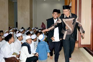 Ribuan Masyarakat Deklarasikan NTB Bangkit Bersama Al-Qur'an
