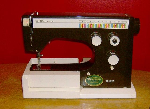 Vintage Sewing Machines Viking 64 40