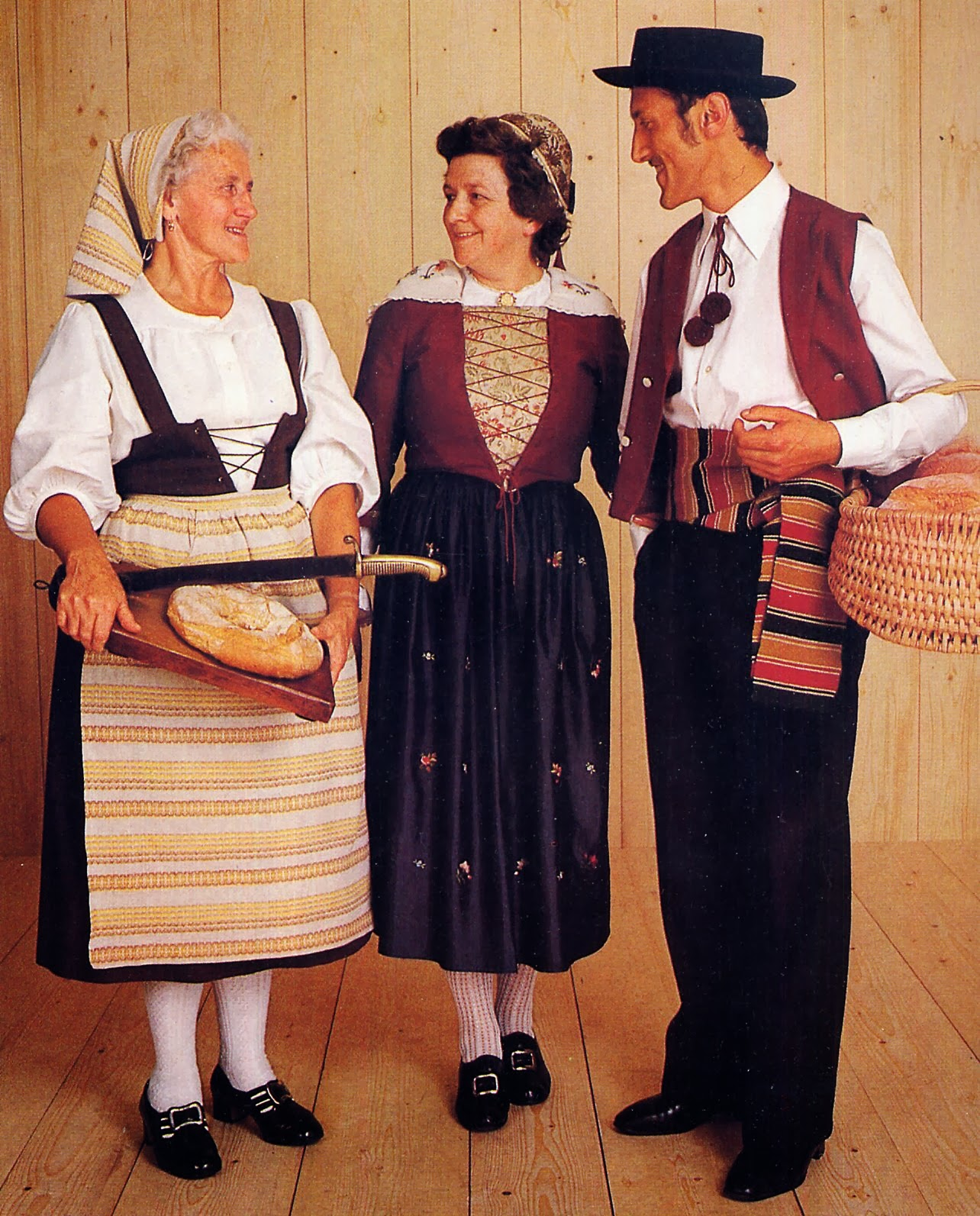 Folkcostume Amp Embroidery Overview Of Swiss Costume