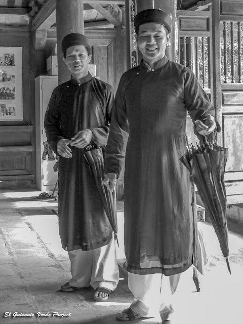 Duo masculino cantantes de Quan Ho - Vietnam por El Guisante Verde Project