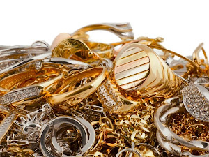 ¿Por qué algunas joyas dejan manchas tu piel?