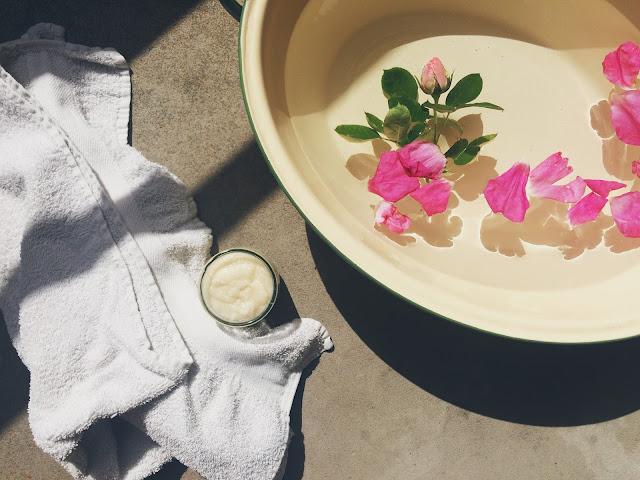 Hjemmespa: sukkerskrub til tørre fødder, hænder og krop - hejmagi.blogspot.com - @juliemakes