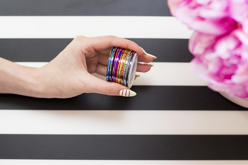 Pomysł na manicure- paseczki