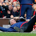 Photo of the day :  Louis Van Gaal falls on the floor