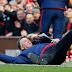 Photo of the day :  Louis Van Gaal falls on the floor