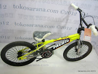 2 Sepeda BMX Pacific Hot Shot Free Style 20 Inci